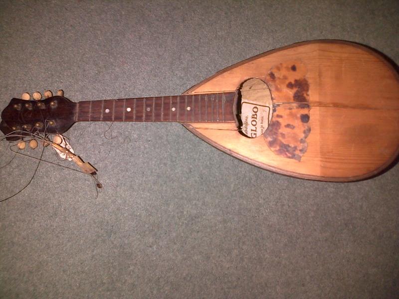 vintage mandolin needs slight repair for sale in newcastle upon tyne vintage mandolin. Black Bedroom Furniture Sets. Home Design Ideas